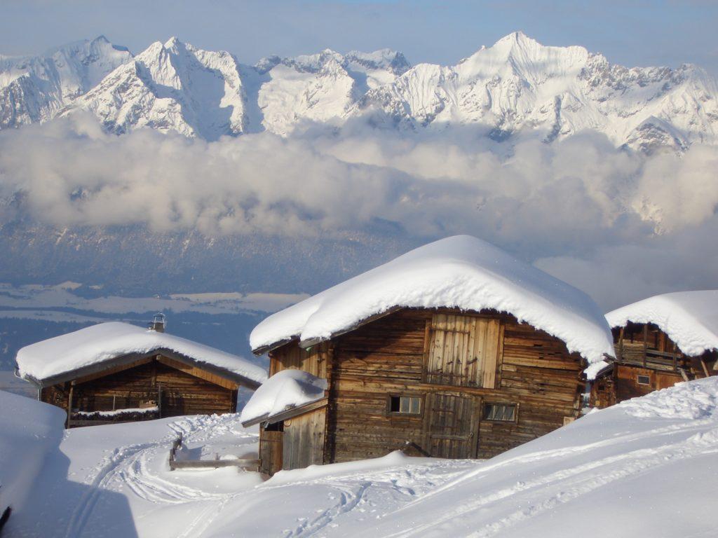 Schneeschuhe Wandern und diese Wintermomente genießen