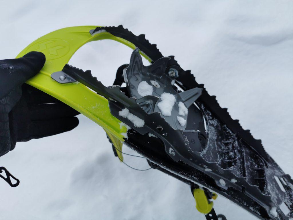 Das sind für uns perfekte Schneeschuhe mit Zacken